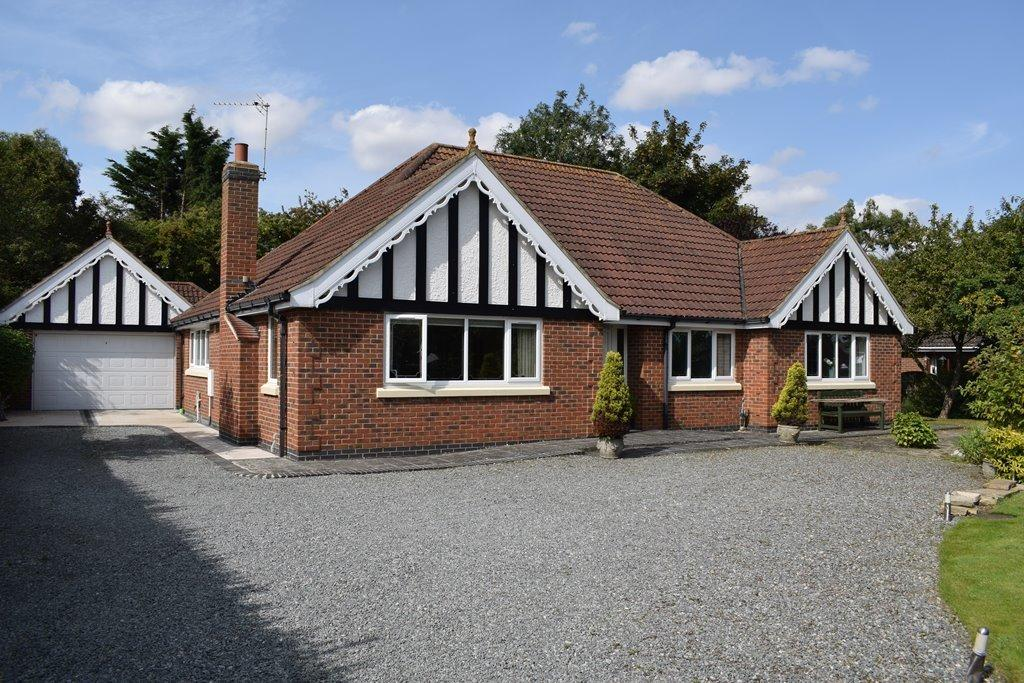 3 Bedrooms Detached Bungalow for sale in Brigsley Road, Waltham