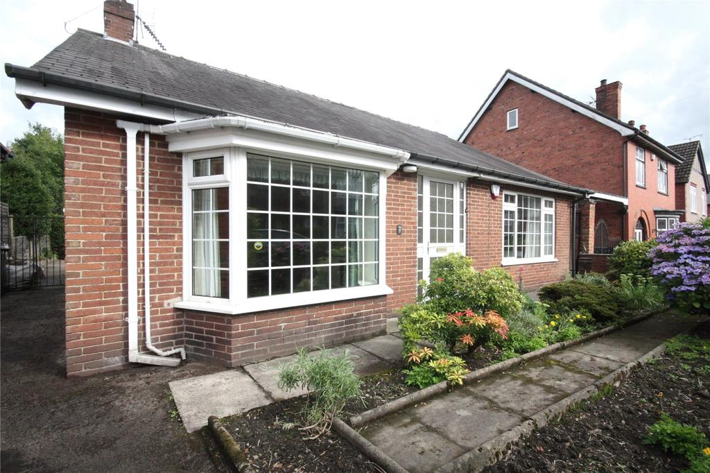 3 Bedrooms Detached Bungalow for sale in Wycliffe Road, Alfreton, Derbyshire, DE55