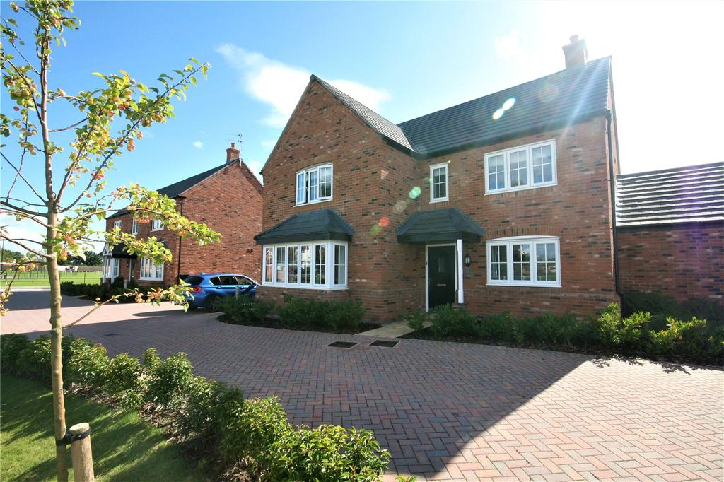 5 Bedrooms Link Detached House for sale in Highlander Road, Saighton, Chester, CH3
