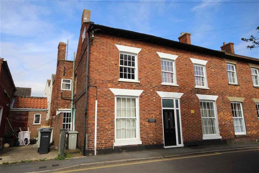 3 Bedrooms Terraced House for sale in Queen Street, Spilsby, Lincolnshire