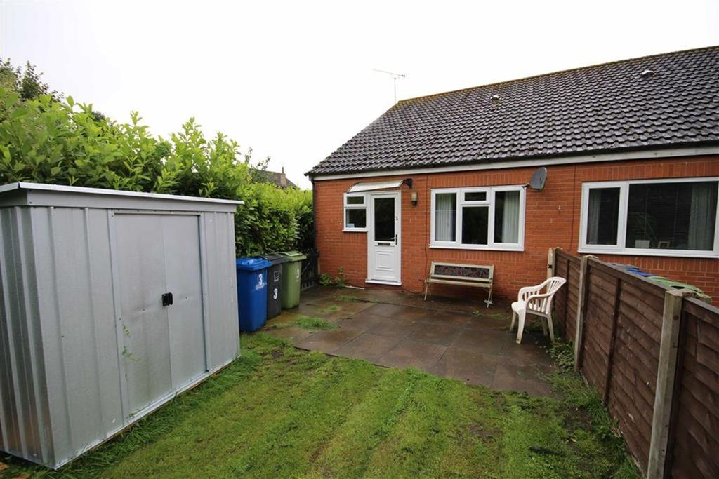 1 Bedroom Semi Detached Bungalow for sale in The Elms, Scotter, Gainsborough, Lincolnshire