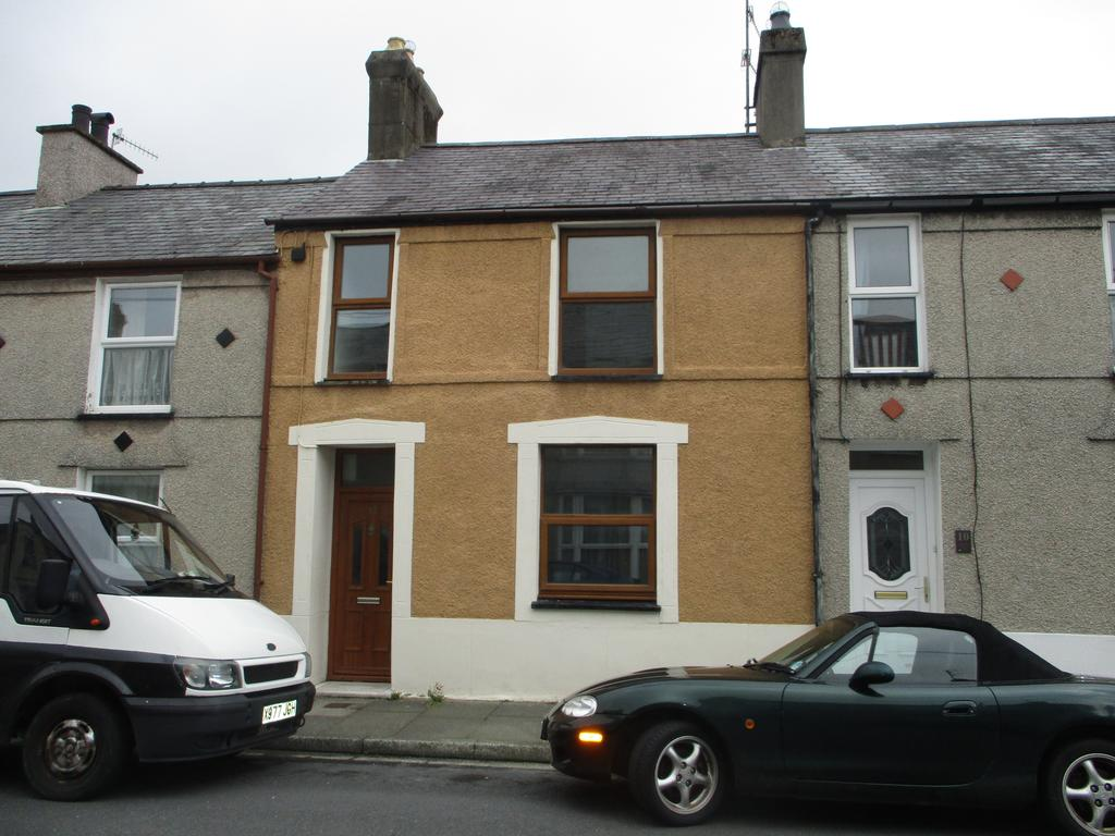 4 Bedrooms Terraced House for sale in East Avenue, Porthmadog LL49
