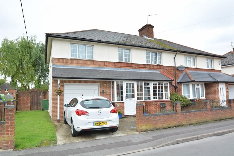 4 Bedrooms Semi Detached House for sale in Millway Close, Andover