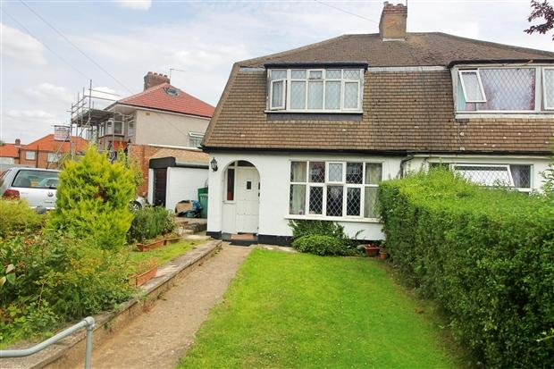 3 Bedrooms Semi Detached House for sale in Rembrandt Road Edgware Harrow HA8