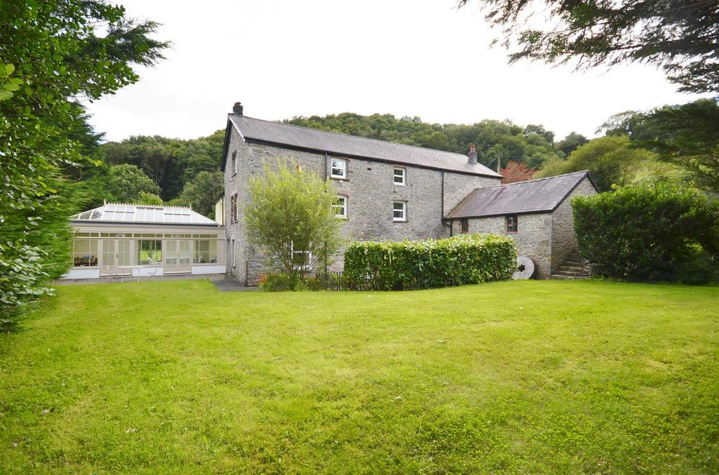 5 Bedrooms Country House Character Property for sale in Bronwydd Arms, Carmarthen