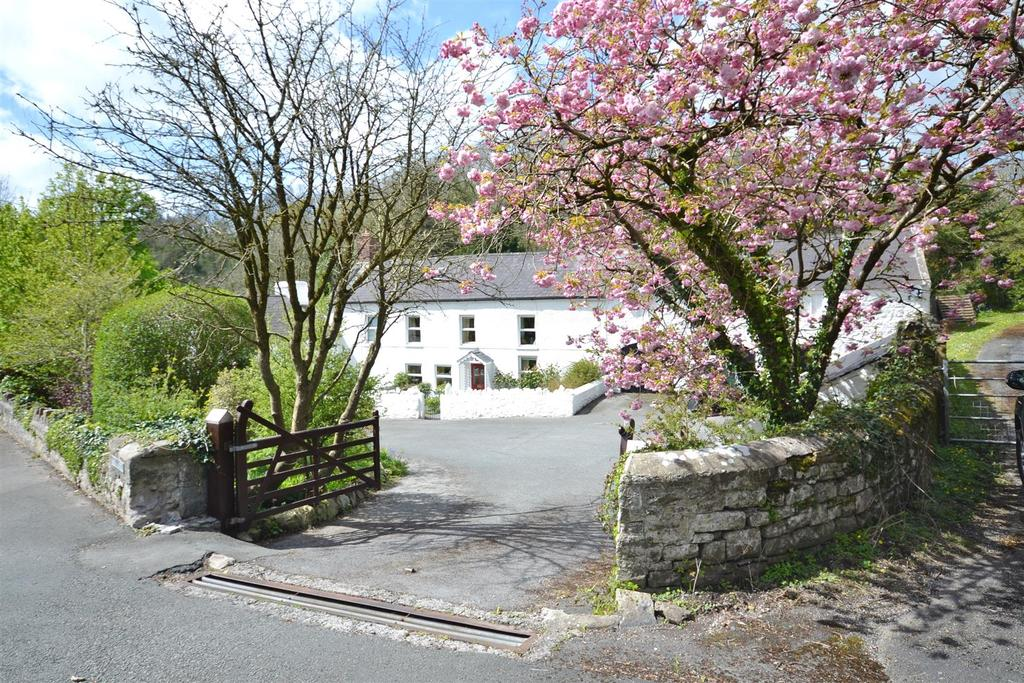 5 Bedrooms Detached House for sale in Broadway, Laugharne, Carmarthenshire