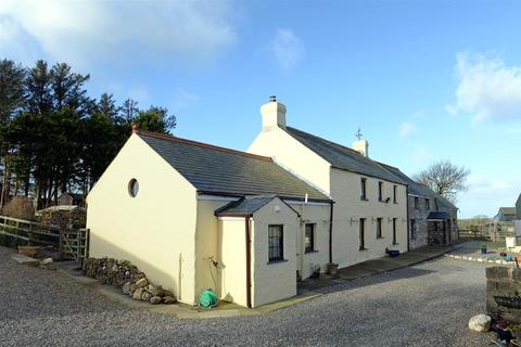 6 bedroom property with land for sale - Welsh Hook, Pembrokeshire