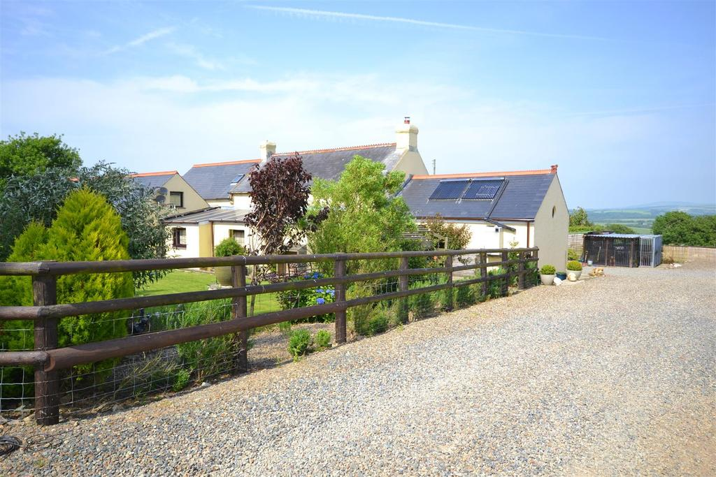 6 Bedrooms Land Commercial for sale in Welsh Hook, Pembrokeshire
