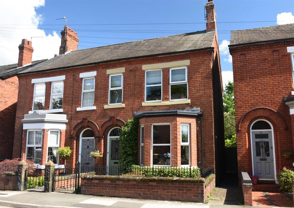 4 Bedrooms Semi Detached House for sale in Moss Road, Winnington