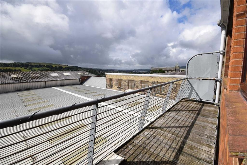 1 Bedroom Apartment Flat for sale in Walton Heights, Colne, Lancashire