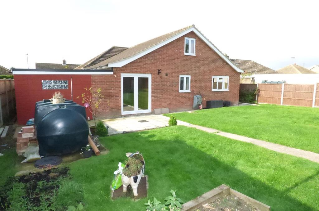 4 Bedrooms Detached Bungalow for sale in Addison Close, Feltwell