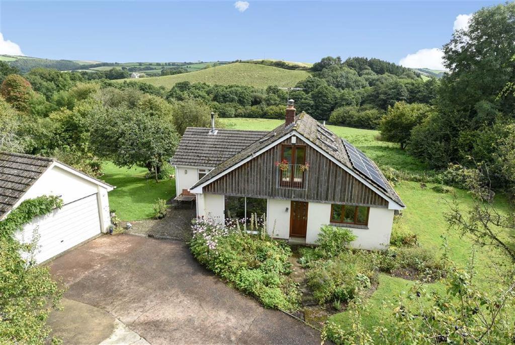 4 Bedrooms Detached House for sale in Hunnacott, Landkey, Barnstaple, Devon, EX32