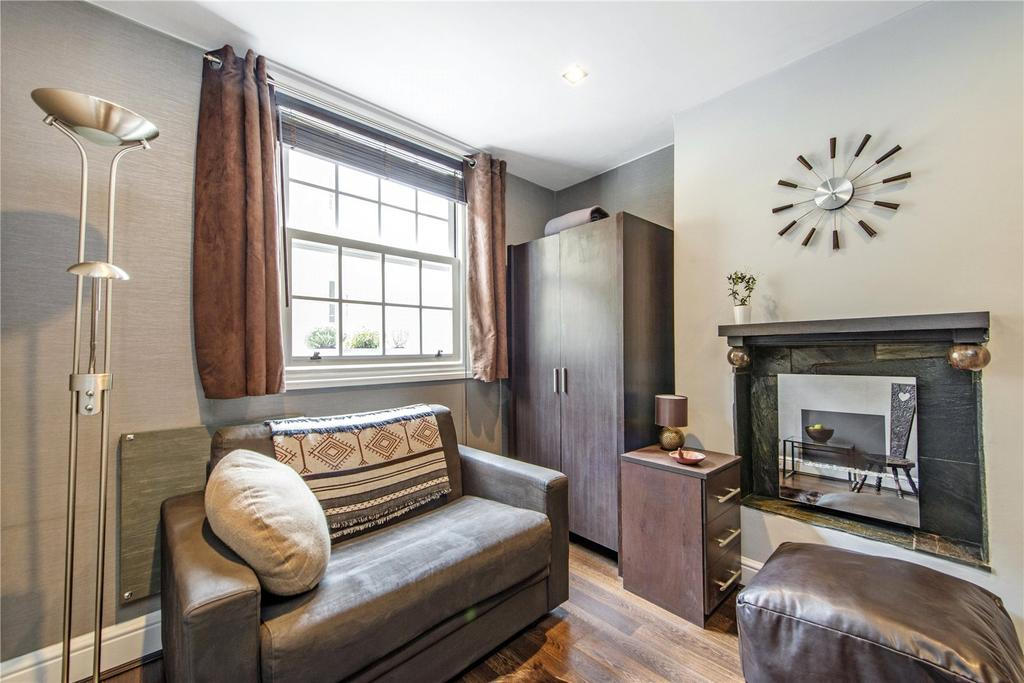 Studio Flat for sale in Winchester Street, London, SW1V