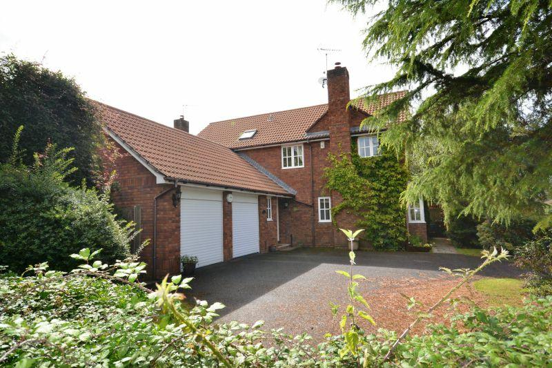 4 Bedrooms Detached House for sale in HAYNE PARK, TIPTON ST JOHN