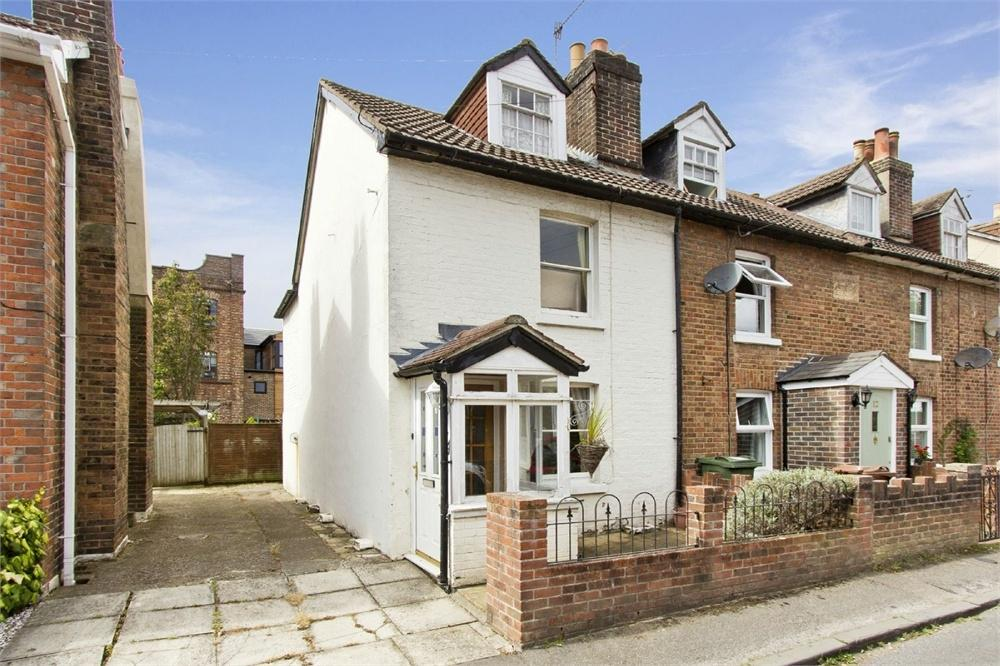 2 Bedrooms Semi Detached House for sale in Castle Street, Southborough, Tunbridge Wells, Kent