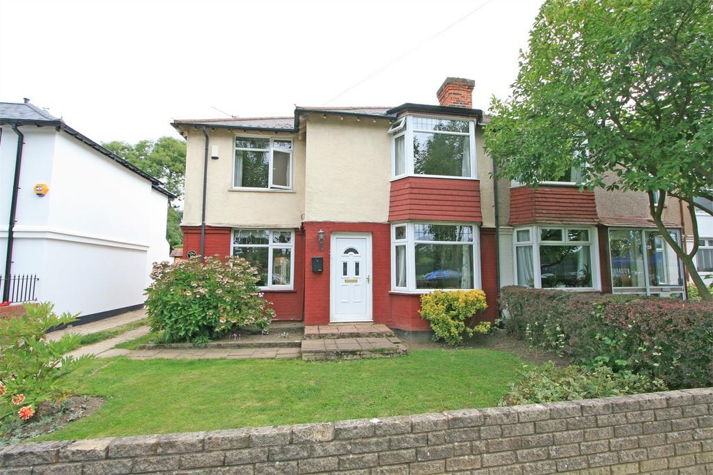 4 Bedrooms Semi Detached House for sale in Calmont Road, Bromley, Kent