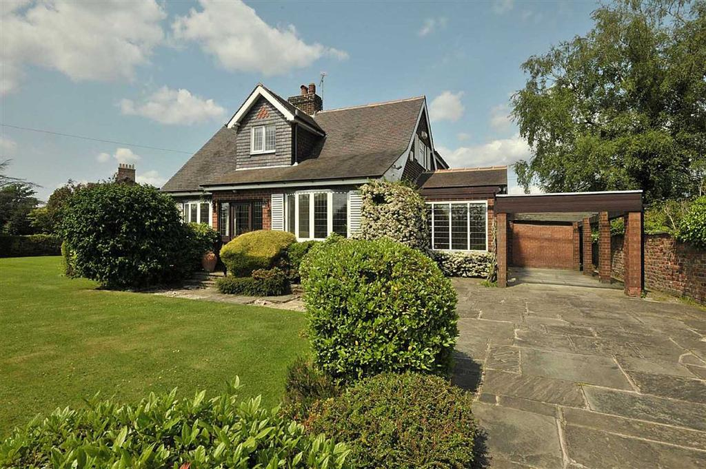 3 Bedrooms Detached House for sale in Sunbank Lane, Hale Barns, Cheshire
