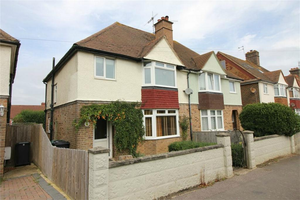 3 Bedrooms Semi Detached House for sale in 14 St Andrews Road, BEXHILL-ON-SEA, East Sussex