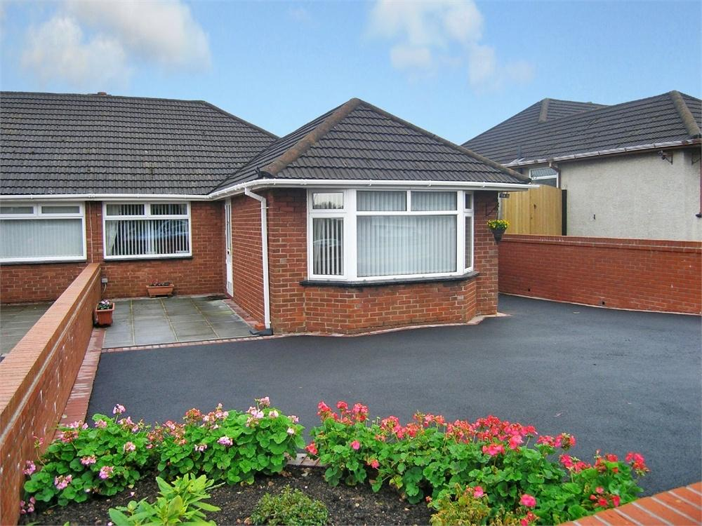 2 Bedrooms Semi Detached Bungalow for sale in Llanedeyrn Road, Penylan, Cardiff