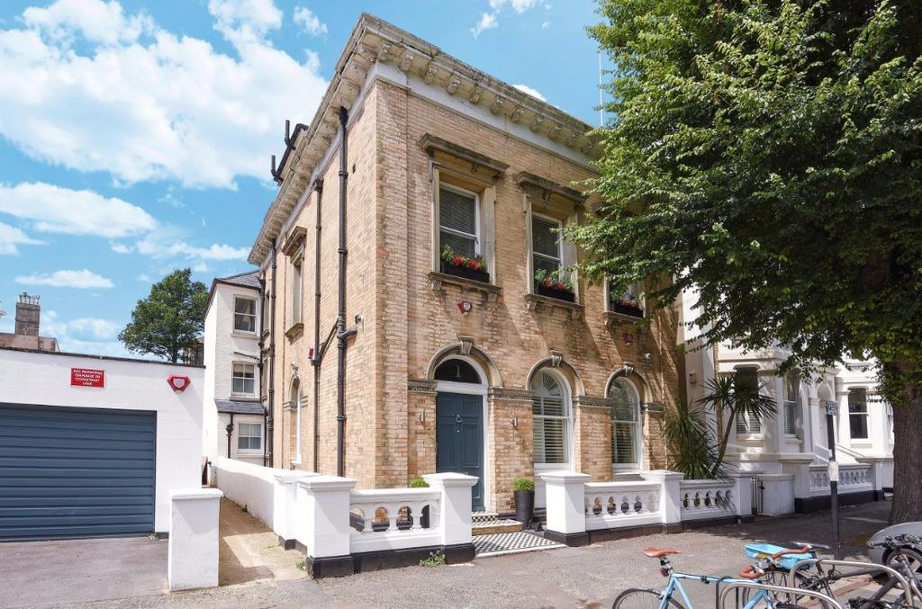 5 Bedrooms Detached House for sale in Selborne Road Hove East Sussex BN3
