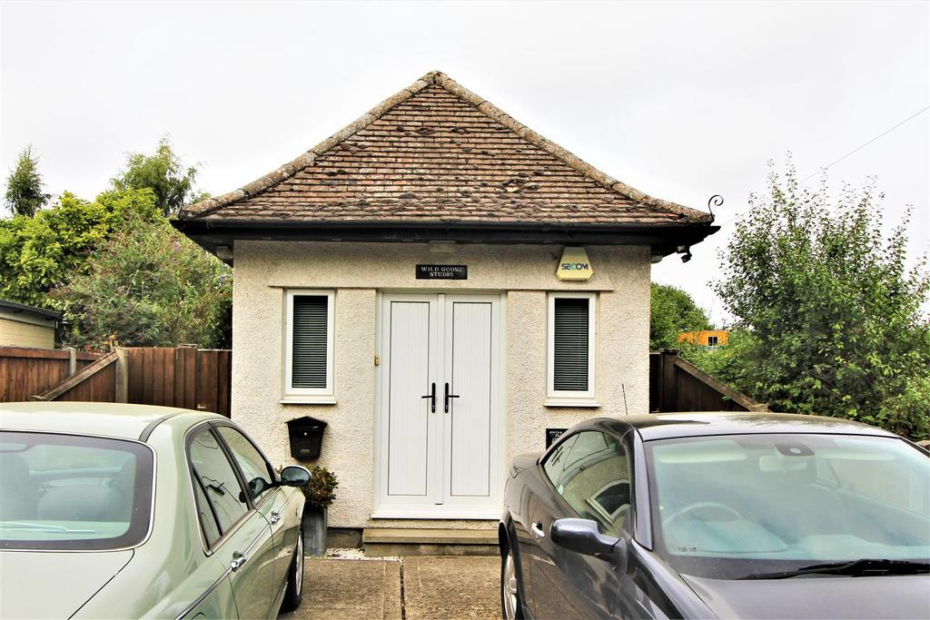 1 Bedroom Detached Bungalow for sale in Abbey Street, Thorpe-Le-Soken, Clacton-On-Sea