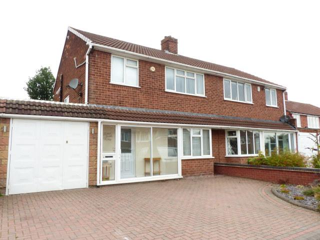 3 Bedrooms Semi Detached House for sale in Hazelwood Road,Streetly,Sutton Coldfield