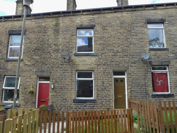 3 Bedrooms Terraced House for sale in Derby Street Todmorden