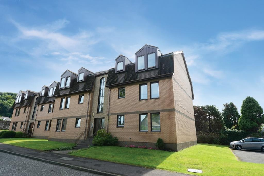 2 Bedrooms Flat for sale in 9 Silverae Court, Largs, KA30 8JG