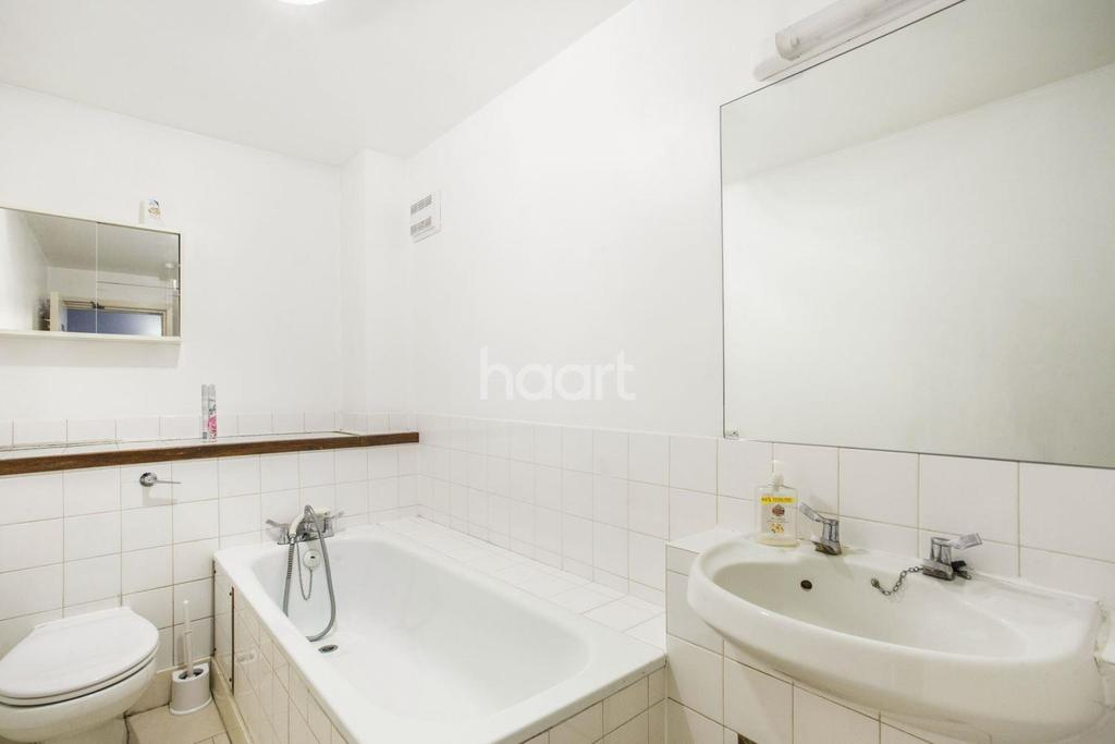 4 Bedrooms Flat for sale in Tunstall Road, Brixton, SW9