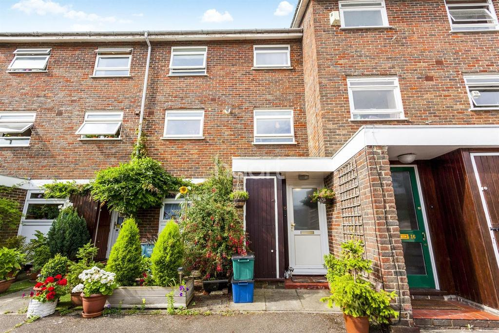 2 Bedrooms Flat for sale in Founders Garden, London, SE19