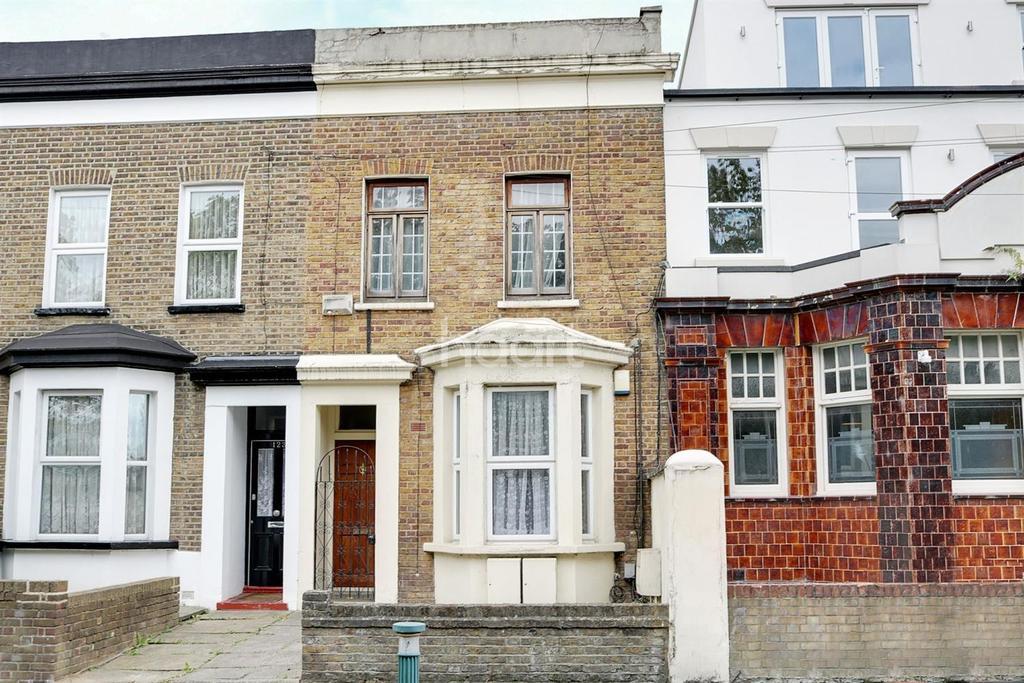 1 Bedroom Flat for sale in Harrow Road, Leytonstone