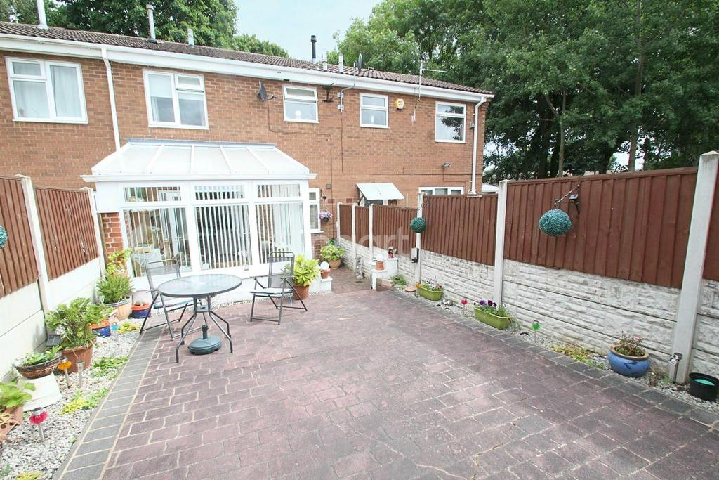 2 Bedrooms Terraced House for sale in Farm Avenue, Hucknall