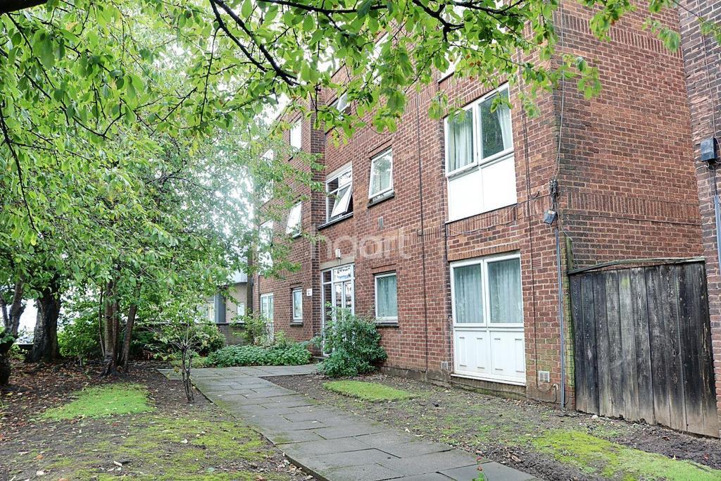 1 Bedroom Flat for sale in Kensal Court, West Bridgford, Nottinghamshire
