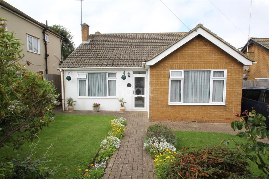 3 Bedrooms Bungalow for sale in Masons Rise, Broadstairs, CT10