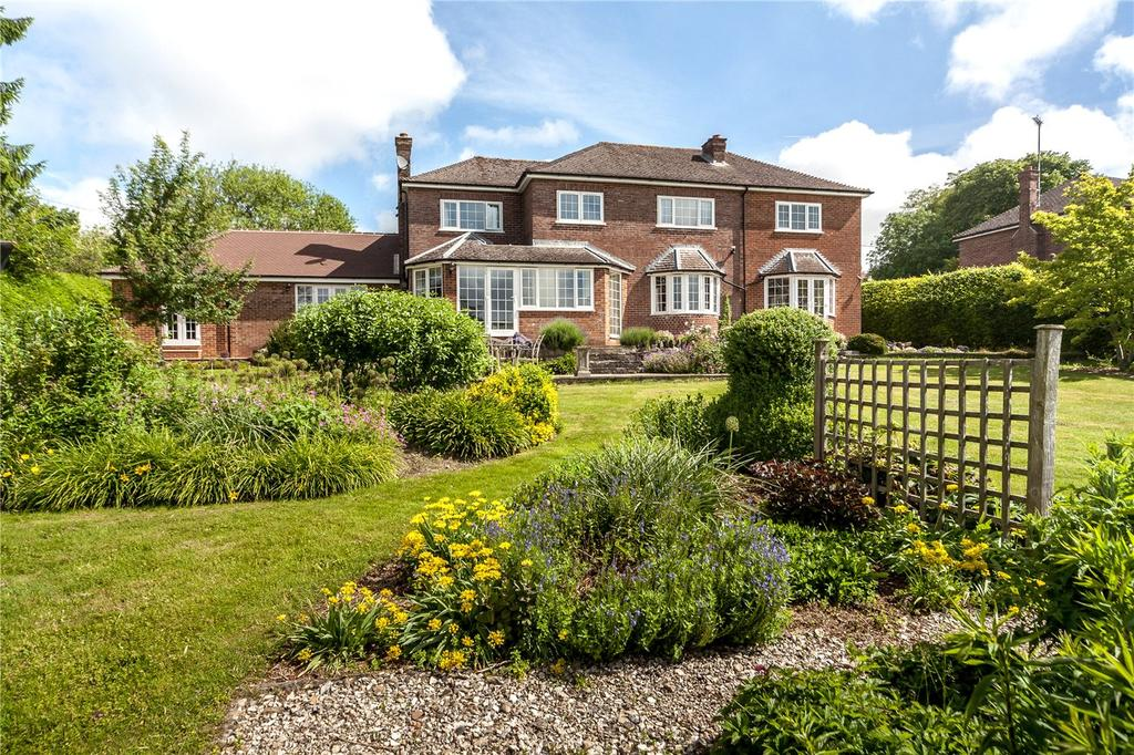 4 Bedrooms Detached House for sale in Bath Road, Marlborough, Wiltshire, SN8