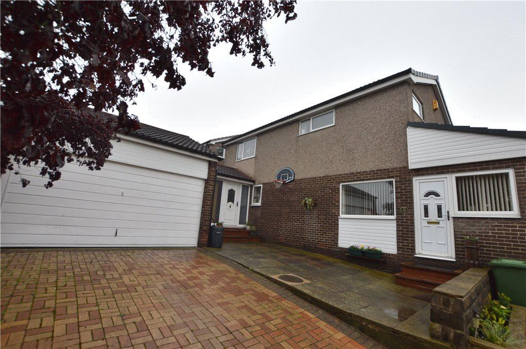 4 Bedrooms Detached House for sale in Brand Hill Drive, Crofton, Wakefield, West Yorkshire