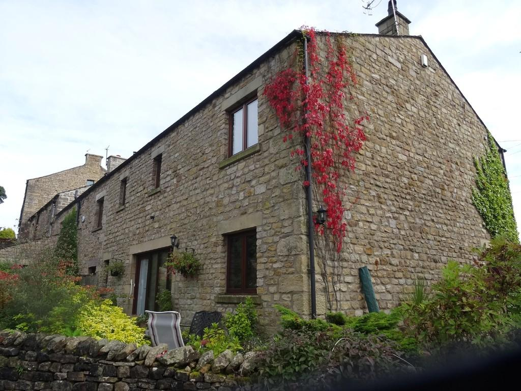4 Bedrooms Barn Conversion Character Property for sale in Penryn Barn, Burton In Lonsdale