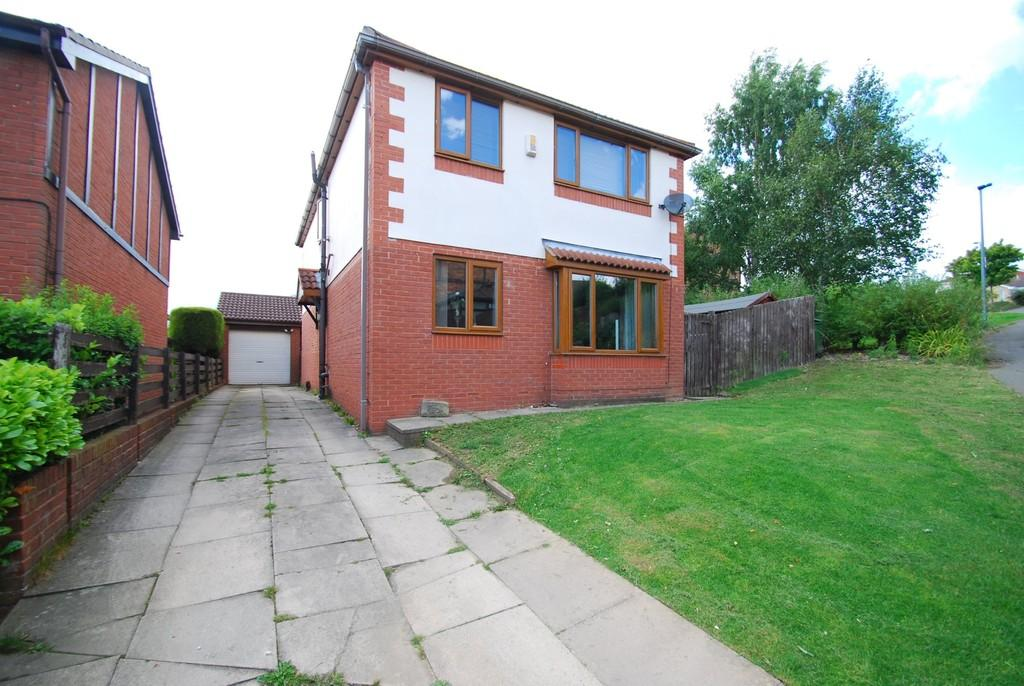 4 Bedrooms Detached House for sale in Haise Mount, Darton, Barnsley S75