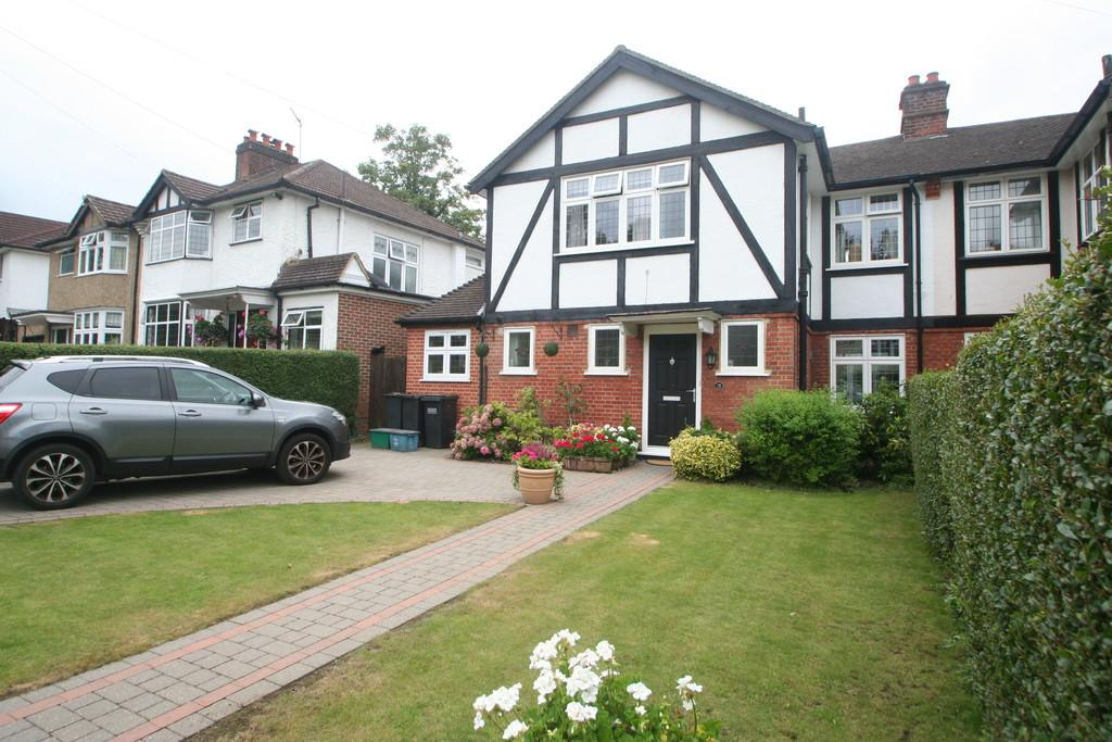3 Bedrooms Semi Detached House for sale in PURLEY