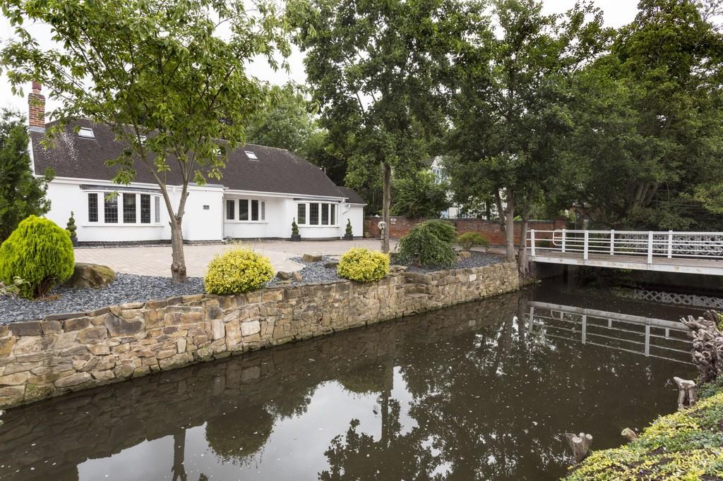 4 Bedrooms Detached House for sale in Burnside, Rolleston-on-dove