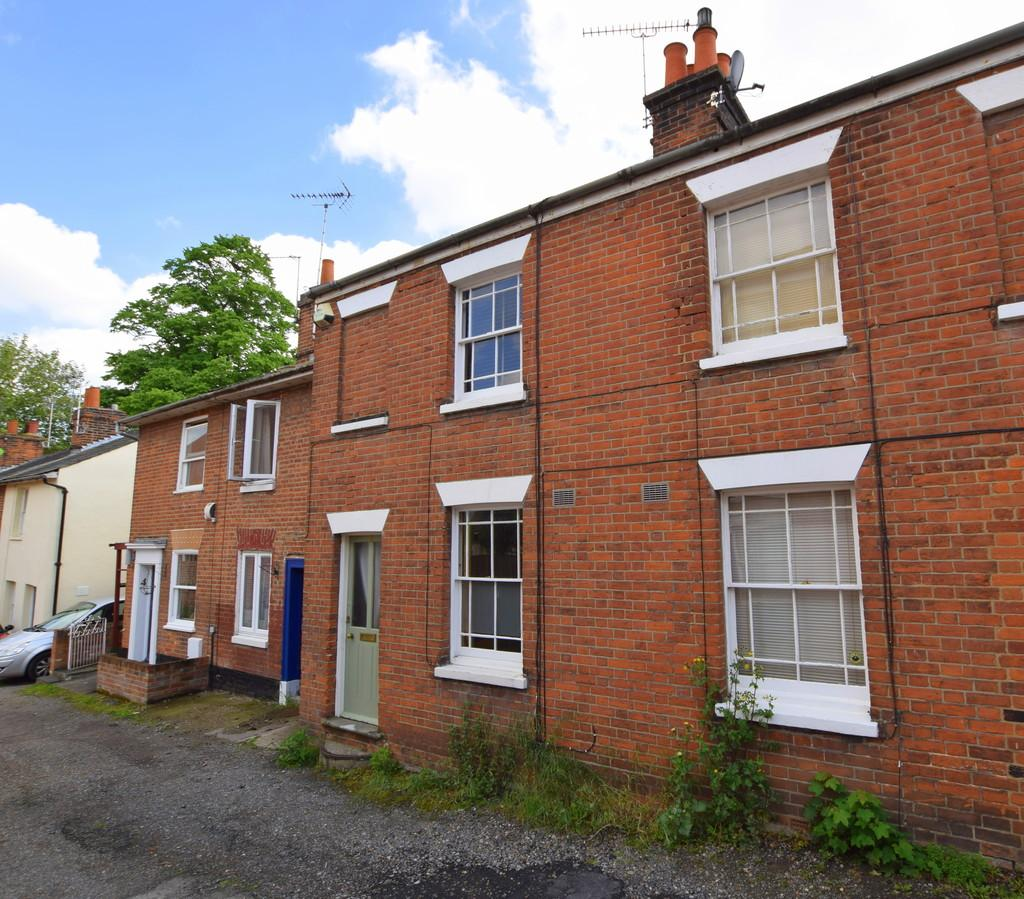 2 Bedrooms Semi Detached House for sale in Williams Walk, Colchester, CO1 1TS