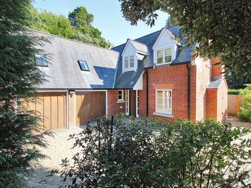 4 Bedrooms Detached House for sale in Buckswood Grange, Uckfield, East Sussex