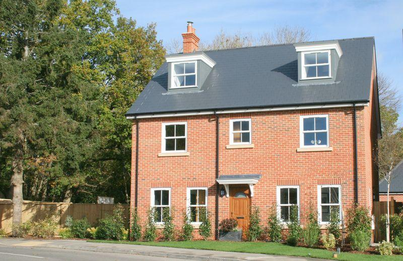 5 Bedrooms Detached House for sale in Oakwood Close, Five Ash Down, Nr Uckfield