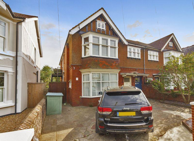 3 Bedrooms Maisonette Flat for sale in Cowper Road, Worthing