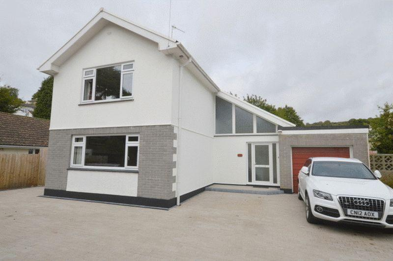 3 Bedrooms Detached House for sale in Gover Road, St. Austell