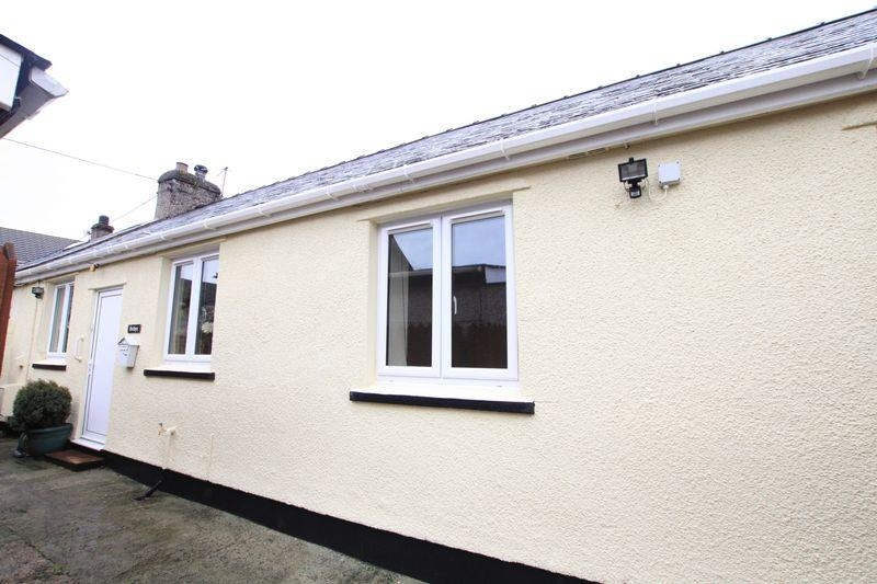 2 Bedrooms Semi Detached Bungalow for sale in Llanfairpwll, Anglesey