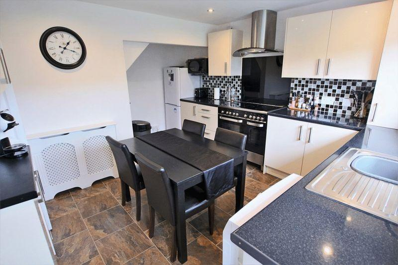 3 Bedrooms Semi Detached House for sale in Knowsley Crescent, Shawforth OL12 8HP