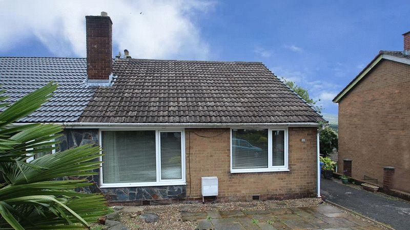 3 Bedrooms Semi Detached Bungalow for sale in Shore Mount, Littleborough OL15 8EW