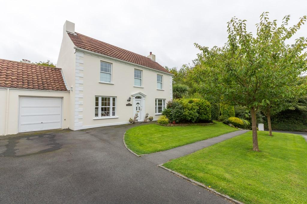 3 Bedrooms Semi Detached House for sale in Fosse Andre, St. Peter Port, Guernsey