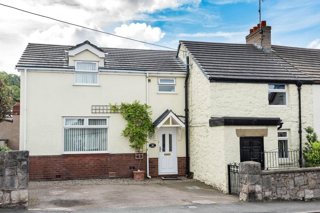 5 Bedrooms Semi Detached House for sale in High Street, Dyserth